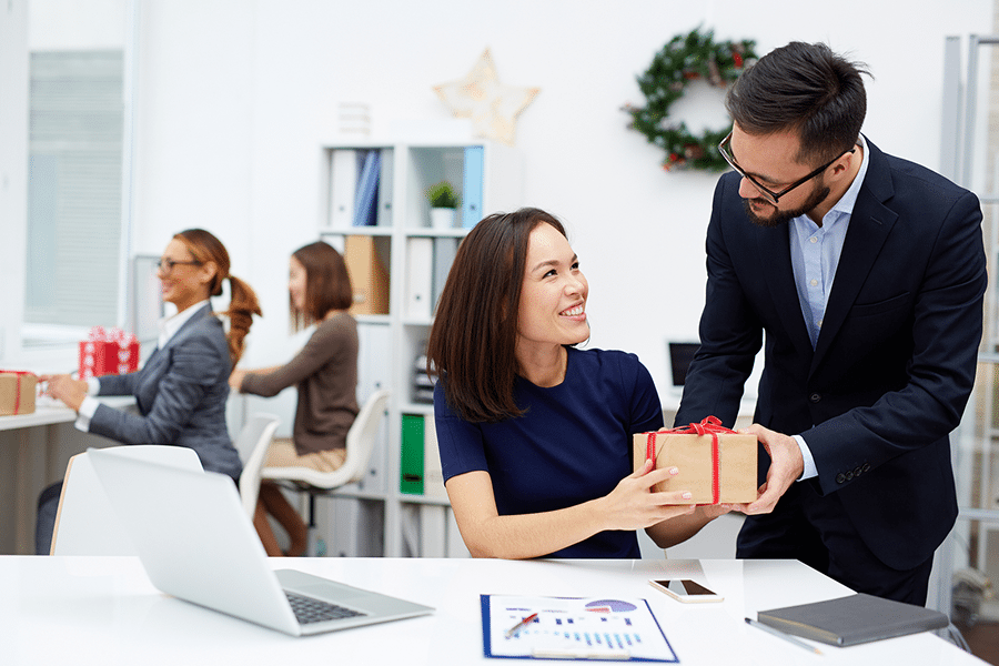 Gifts For Employees Top 25 Employee Appreciation Gift Ideas Small Business Growth